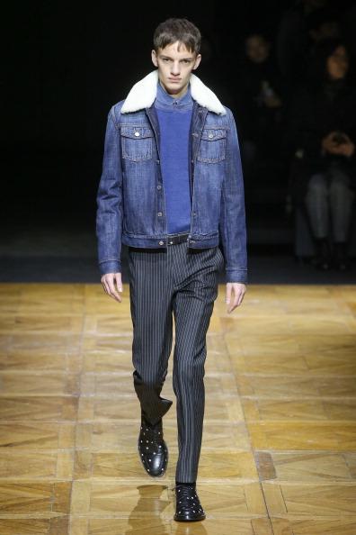 Blue Coat「Dior Homme : Runway - Paris Fashion Week - Menswear F/W 2014-2015」:写真・画像(17)[壁紙.com]