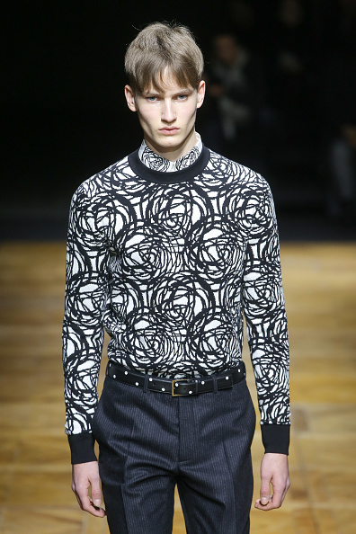 Victor Boyko「Dior Homme : Runway - Paris Fashion Week - Menswear F/W 2014-2015」:写真・画像(18)[壁紙.com]