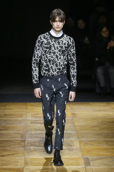 Victor Boyko「Dior Homme : Runway - Paris Fashion Week - Menswear F/W 2014-2015」:写真・画像(19)[壁紙.com]