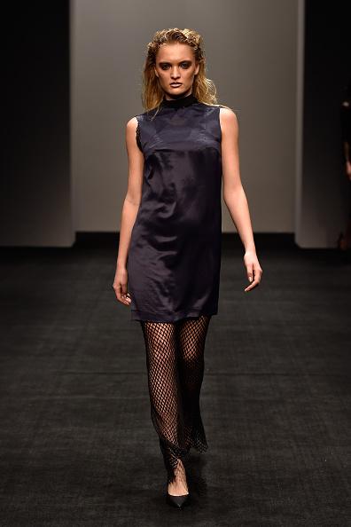 Black Skirt「Phoenix Keating - Runway - Mercedes-Benz Fashion Week Australia 2015」:写真・画像(16)[壁紙.com]