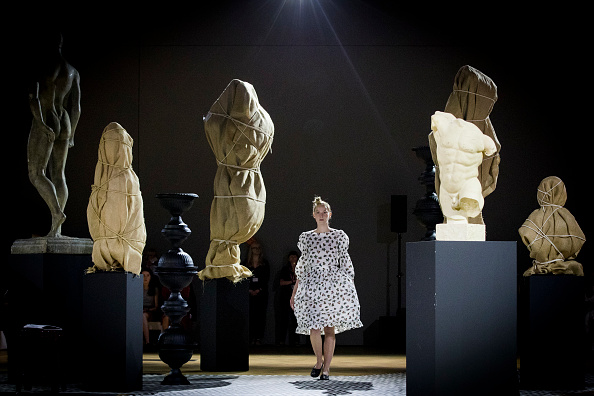 Tristan Fewings「V&A Fashion Show - Fashion In Motion: Molly Goddard」:写真・画像(12)[壁紙.com]