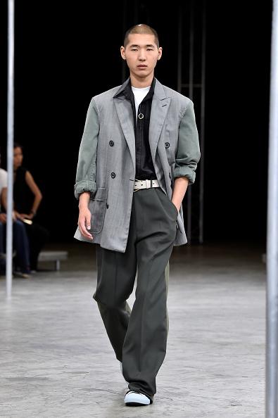 男性一人「Lanvin : Runway - Paris Fashion Week - Menswear Spring/Summer 2018」:写真・画像(0)[壁紙.com]