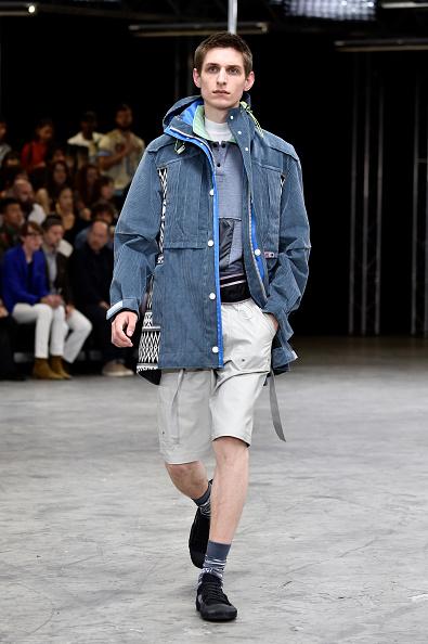 男性一人「Lanvin : Runway - Paris Fashion Week - Menswear Spring/Summer 2018」:写真・画像(7)[壁紙.com]