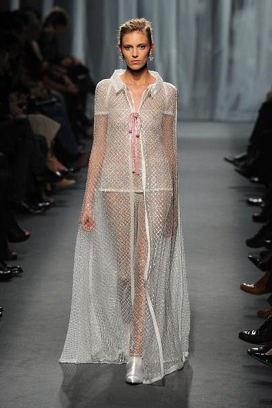 Pavillon Cambon Capucines「Chanel - Runway - Paris Fashion Week Haute Couture S/S 2011」:写真・画像(5)[壁紙.com]