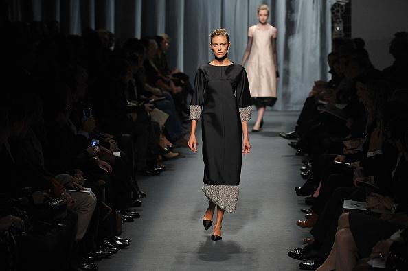 Pavillon Cambon Capucines「Chanel - Runway - Paris Fashion Week Haute Couture S/S 2011」:写真・画像(9)[壁紙.com]