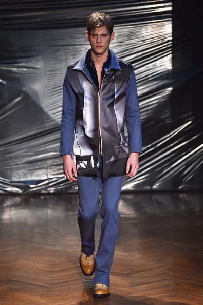 Blue Pants「JULIAN ZIGERLI SHOW - Runway - Milan Menswear Fashion Week Fall Winter 2015/2016」:写真・画像(16)[壁紙.com]