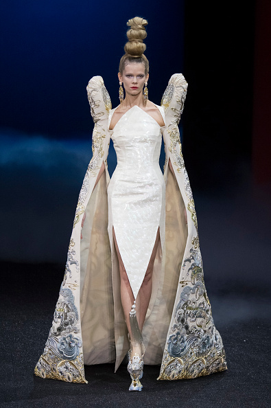 Spring Summer Collection「Guo Pei : Runway - Paris Fashion Week - Haute Couture Spring Summer 2019」:写真・画像(5)[壁紙.com]