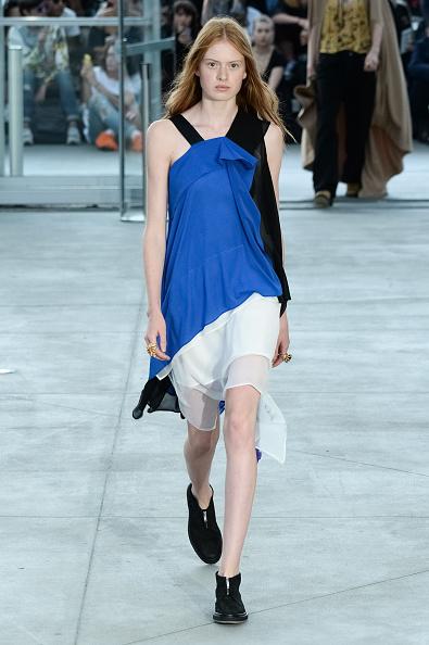Royal Blue「Koche : Runway - Paris Fashion Week Womenswear Spring/Summer 2017」:写真・画像(18)[壁紙.com]