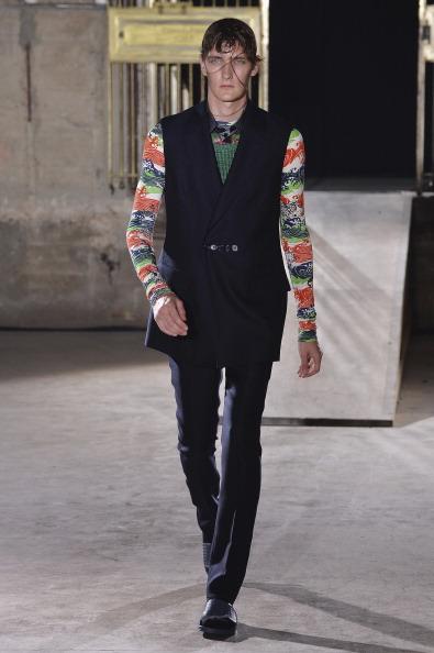 Blue Pants「Raf Simons : Runway - Paris Fashion Week - Menswear S/S 2015」:写真・画像(4)[壁紙.com]