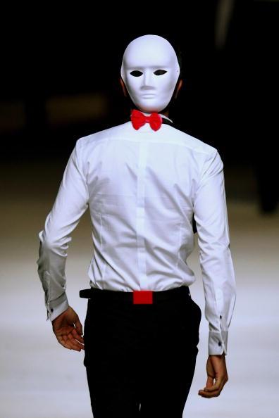 Feng Li「China Fashion Week A/W - Day 1」:写真・画像(2)[壁紙.com]