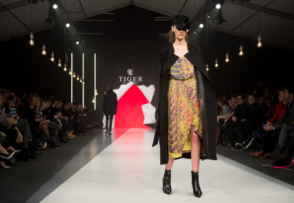 Headwear「Tiger Of Sweden: Mercedes-Benz Stockholm Fashion Week A/W 2013」:写真・画像(6)[壁紙.com]