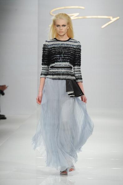 セーター「Genny - Runway - Milan Fashion Week Womenswear Autumn/Winter 2014」:写真・画像(18)[壁紙.com]