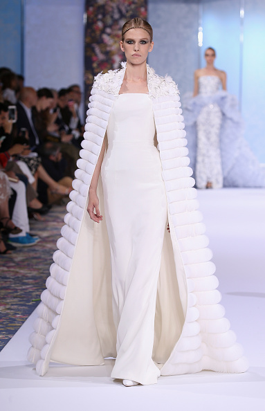 Ralph and Russo「Ralph & Russo : Runway - Paris Fashion Week - Haute Couture Fall/Winter 2016-2017」:写真・画像(6)[壁紙.com]