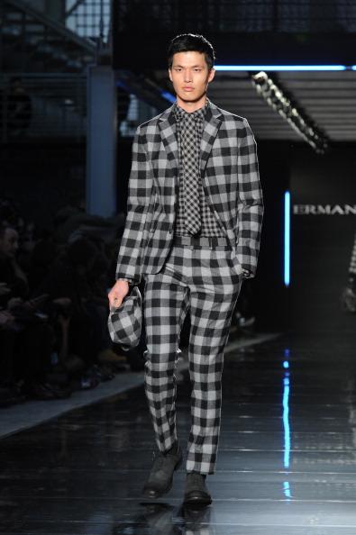 Checked Suit「Ermanno Scervino - Runway - Runway - Milan Fashion Week Menswear Autumn/Winter 2014」:写真・画像(3)[壁紙.com]