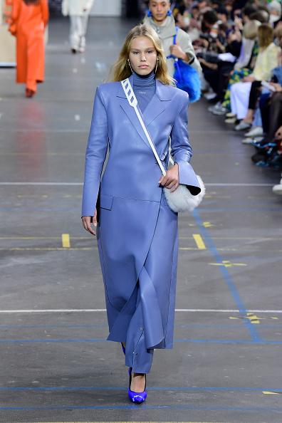 Womenswear「Off-White : Runway - Fall/Winter 2021/2022 - Paris Fashion Week」:写真・画像(17)[壁紙.com]