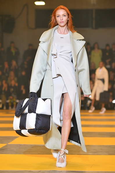 Cream Colored「Off-White : Runway - Paris Fashion Week Womenswear Fall/Winter 2019/2020」:写真・画像(6)[壁紙.com]