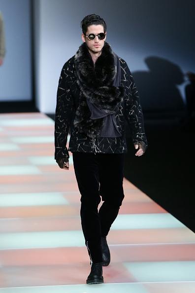 Fingerless Glove「EMPORIO ARMANI SHOW - Runway - Milan Menswear Fashion Week Fall Winter 2015/2016」:写真・画像(10)[壁紙.com]