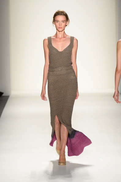 Sleeveless「Mercedes-Benz Fashion Week Spring 2014 - Official Coverage - Best Of Runway Day 1」:写真・画像(13)[壁紙.com]