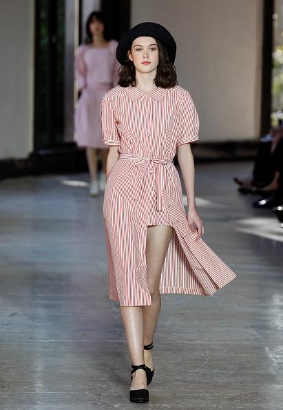Black Hair「Agnes B : Runway - Paris Fashion Week Womenswear Spring/Summer 2017」:写真・画像(12)[壁紙.com]