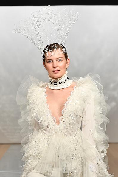 Embellished Dress「Cecilia Kang Couture, Face Me Make-Up - Runway - New Zealand Fashion Week 2019」:写真・画像(4)[壁紙.com]