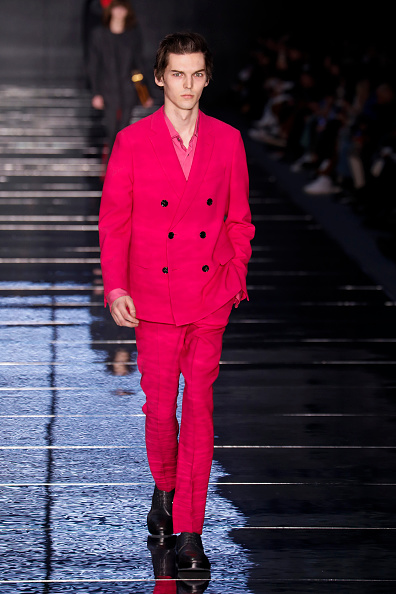Hot Pink「BOSS Womenswear & Menswear - Runway - February 2019 - New York Fashion Week」:写真・画像(9)[壁紙.com]