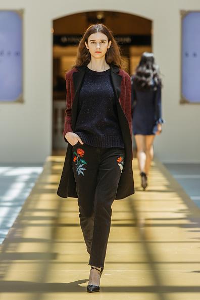 Embroidery「SANDRO - Runway - Front Row at Shoppes at Parisian」:写真・画像(7)[壁紙.com]