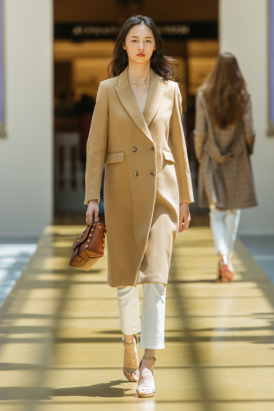 Coat - Garment「SANDRO - Runway - Front Row at Shoppes at Parisian」:写真・画像(18)[壁紙.com]