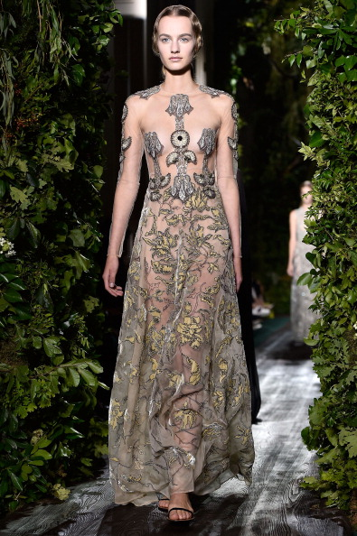 Embellishment「Valentino: Runway - Paris Fashion Week : Haute Couture Fall/Winter 2014-2015」:写真・画像(19)[壁紙.com]