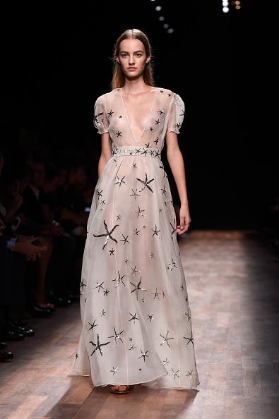 Womenswear「Valentino : Runway - Paris Fashion Week Womenswear Spring/Summer 2015」:写真・画像(7)[壁紙.com]