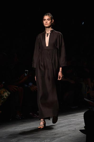 Spring Collection「Valentino : Runway - Paris Fashion Week Womenswear Spring/Summer 2016」:写真・画像(16)[壁紙.com]