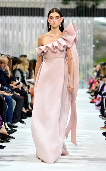 Spring Summer Collection「Valentino : Runway - Paris Fashion Week Womenswear Spring/Summer 2018」:写真・画像(12)[壁紙.com]