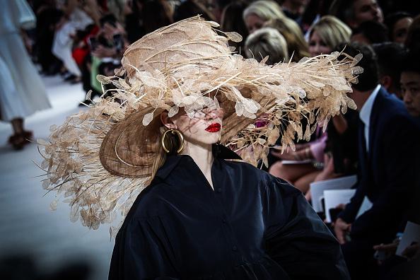 春夏コレクション「Color Alternative Views - Paris Fashion Week Womenswear Spring/Summer 2019」:写真・画像(4)[壁紙.com]