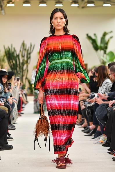 春夏コレクション「Valentino : Runway - Paris Fashion Week Womenswear Spring/Summer 2019」:写真・画像(9)[壁紙.com]