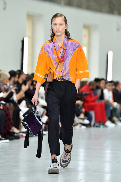 Menswear「Valentino : Runway - Paris Fashion Week - Menswear Spring/Summer 2020」:写真・画像(7)[壁紙.com]