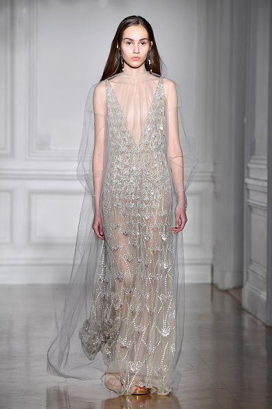 オートクチュール「Valentino : Runway - Paris Fashion Week - Haute Couture Spring Summer 2017」:写真・画像(18)[壁紙.com]