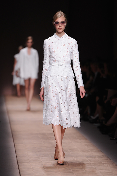 Flared Skirt「Valentino: Runway - Paris Fashion Week Womenswear Spring / Summer 2013」:写真・画像(1)[壁紙.com]
