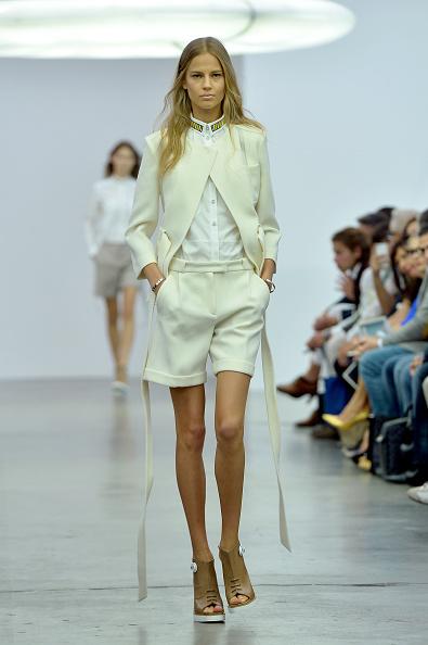 Cream Colored Shorts「Iceberg - Runway - Milan Fashion Week Womenswear Spring/Summer 2014」:写真・画像(3)[壁紙.com]