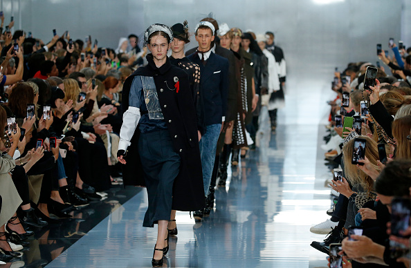 Maison Martin Margiela「Maison Margiela : Runway - Paris Fashion Week - Womenswear Spring Summer 2020」:写真・画像(14)[壁紙.com]