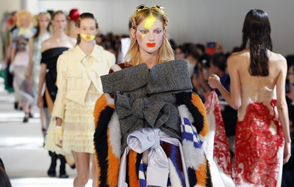 Maison Martin Margiela「Maison Margiela : Runway - Paris Fashion Week - Haute Couture Fall/Winter 2016-2017」:写真・画像(18)[壁紙.com]