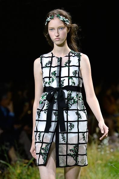 Grass Family「Moncler Gamme Rouge : Runway - Paris Fashion Week Womenswear Spring/Summer 2016」:写真・画像(11)[壁紙.com]