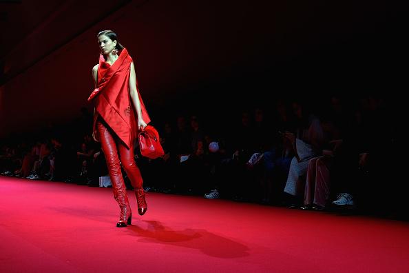 Ile-de-France「Alternative Views - Paris Fashion Week Womenswear Fall/Winter 2017/2018」:写真・画像(16)[壁紙.com]