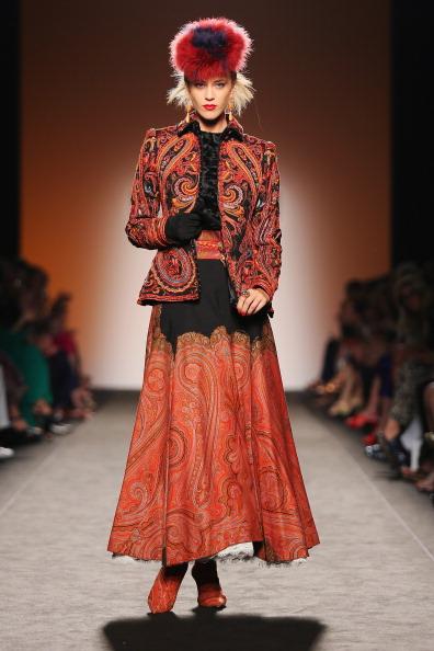 Paisley Pattern「Curiel Couture - Runway - Altamoda Altaroma」:写真・画像(2)[壁紙.com]