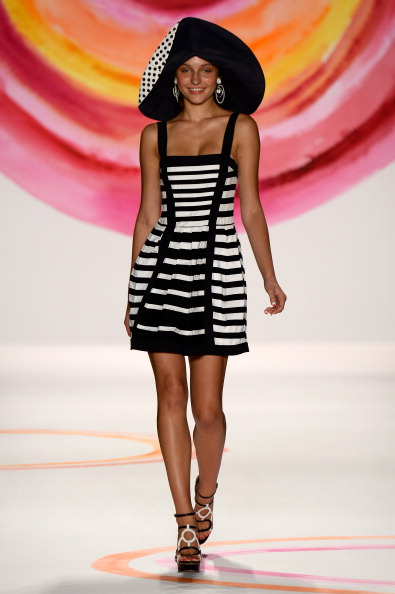 Striped Dress「Mercedes-Benz Fashion Week Spring 2014 - Official Coverage - Best Of Runway Day 1」:写真・画像(9)[壁紙.com]