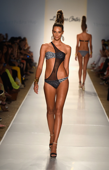 Mercedes-Benz Fashion Week - Miami Swim「Dolores Cortes - Runway - Mercedes-Benz Fashion Week Swim 2015」:写真・画像(18)[壁紙.com]