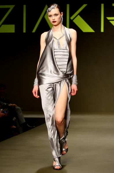 Vittorio Zunino Celotto「Krizia: Milan Fashion Week Womenswear A/W 2010」:写真・画像(19)[壁紙.com]
