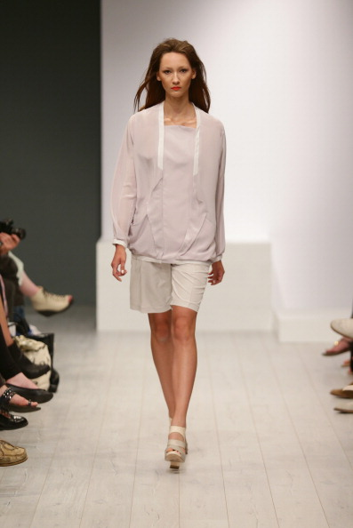 Cream Colored Shorts「Isabell De Hillerin Show - Mercedes-Benz Fashion Week Spring/Summer 2014」:写真・画像(3)[壁紙.com]