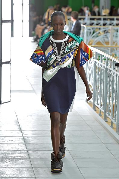 Spring Summer Collection「Louis Vuitton : Runway - Paris Fashion Week - Womenswear Spring Summer 2021」:写真・画像(17)[壁紙.com]