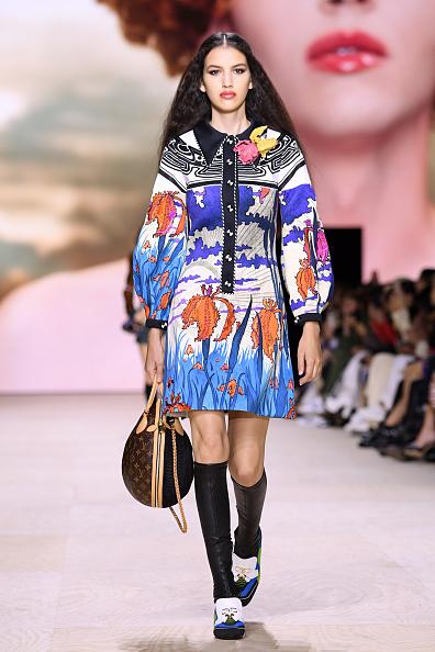 Louis Vuitton Purse「Louis Vuitton : Runway - Paris Fashion Week - Womenswear Spring Summer 2020」:写真・画像(9)[壁紙.com]
