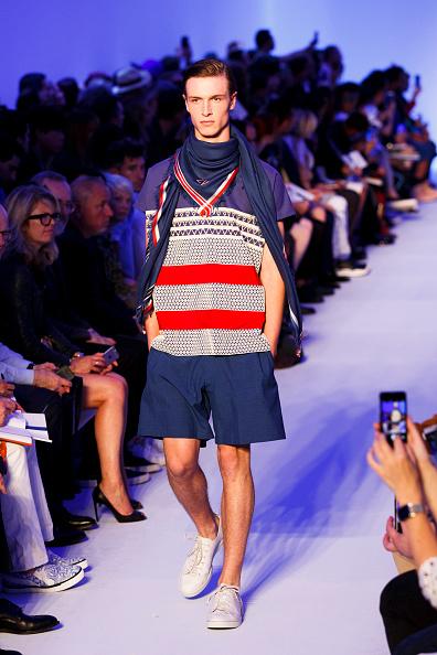 Tristan Fewings「Louis Vuitton : Runway - Paris Fashion Week - Menswear Spring/Summer 2016」:写真・画像(18)[壁紙.com]