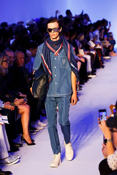 Louis Vuitton : Runway - Paris Fashion Week - Menswear Spring/Summer 2016:ニュース(壁紙.com)